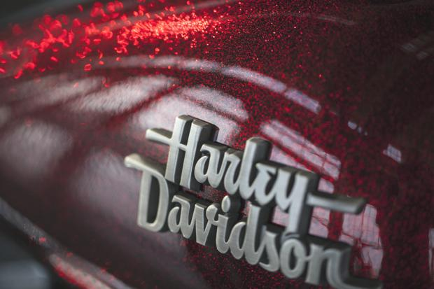 Hard Candy Big Red Flake Streetbob