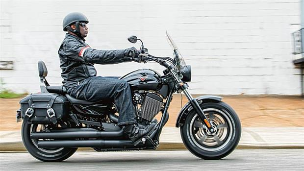 2014-Victory-Motorcycles-Judge